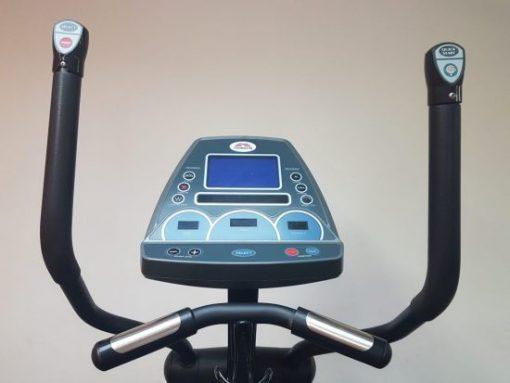 Johnson E7000 Elliptical Cross Trainer